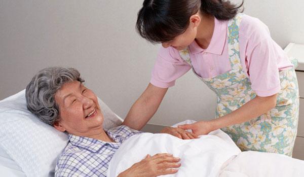 起床介助・離床介助・就寝介助・臥床介助の違いについて