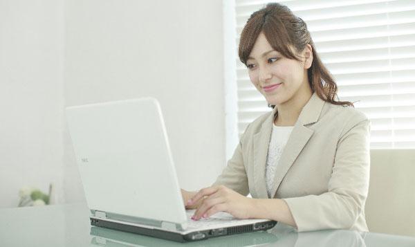 会社や施設の口コミや評判をインターネットで調べてみよう